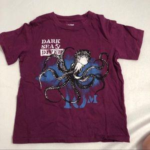 Gap plum & blue short sleeve t-shirt